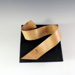 Sculpture bois Wave cintrée en cèdre