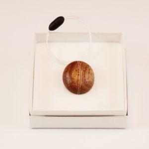 Collier pendentif grain de café Acajou Amarante Érable