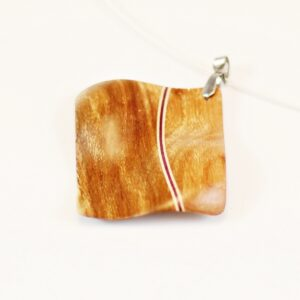 Collier Wave en bois sculpté – Prunier-Erable-Amarante