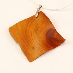 Collier Wave en sculpté en bois d'if